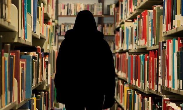 Erasmus Universiteit verbreekt banden